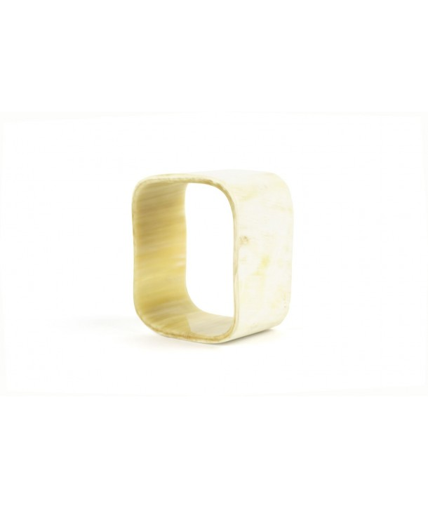 Cubic bracelet in blond horn