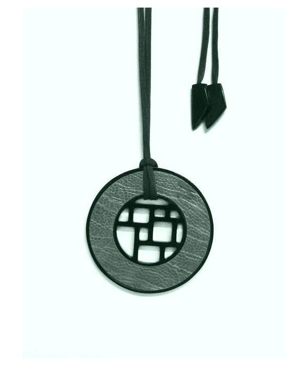 Checkered black horn pendant with khaki ostrich leather