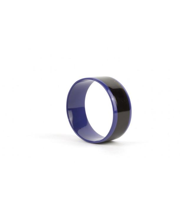 Bracelet intérieur et bords laqués bleu indigo