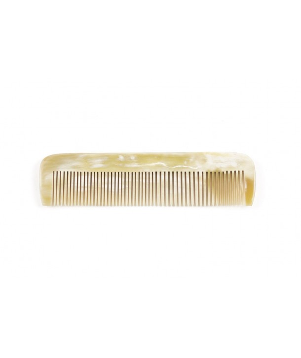 Simple comb in blond horn