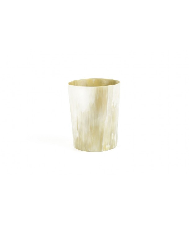 Very large candle holder in blond horn