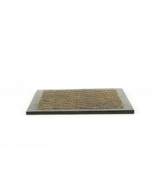 Dessous de plat carré motif vagues en pierre fond noir