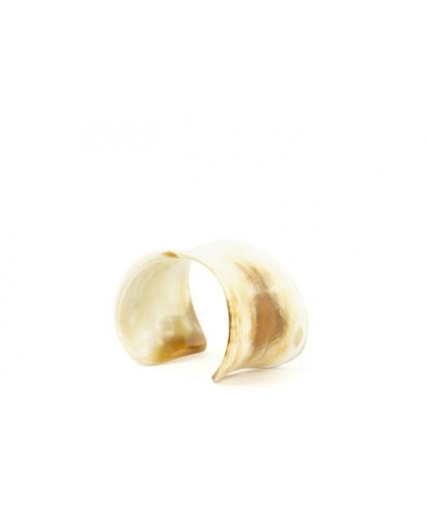 Bracelet ouvert incurvé en corne blonde