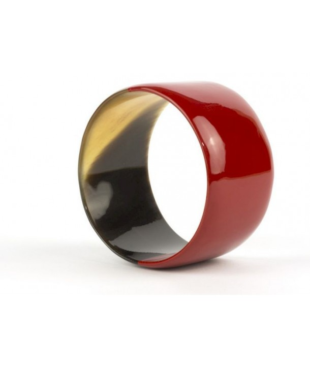 Broad red lacquered bracelet