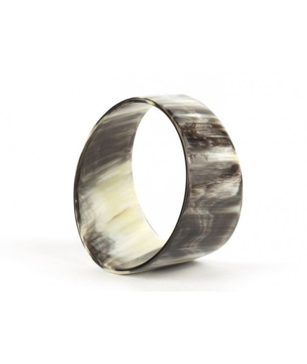 Bevel bracelet in marbled black horn