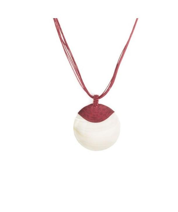 Médaillon disque en nacre blanche gainage coton fil bordeaux