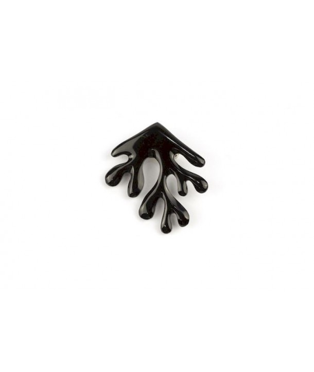 Coral brooch in plain black horn
