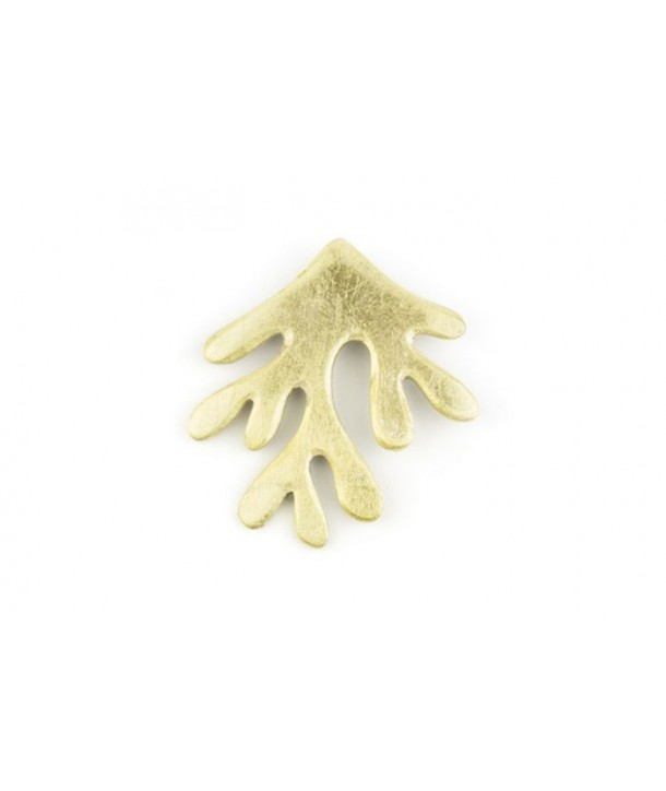 Gold lacquered coral brooch