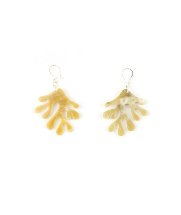 Coral earrings in blond horn