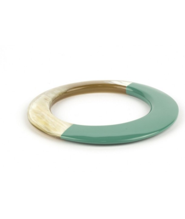 Broad emerald green lacquered elliptical bracelet
