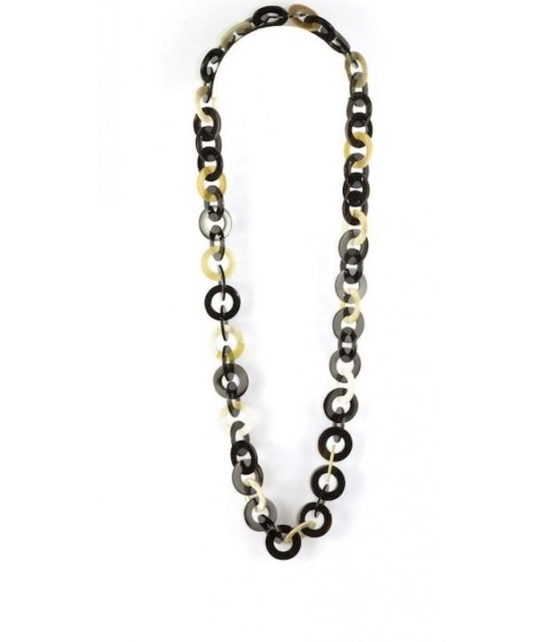 Grand sautoir long anneaux plats en corne blonde et noire