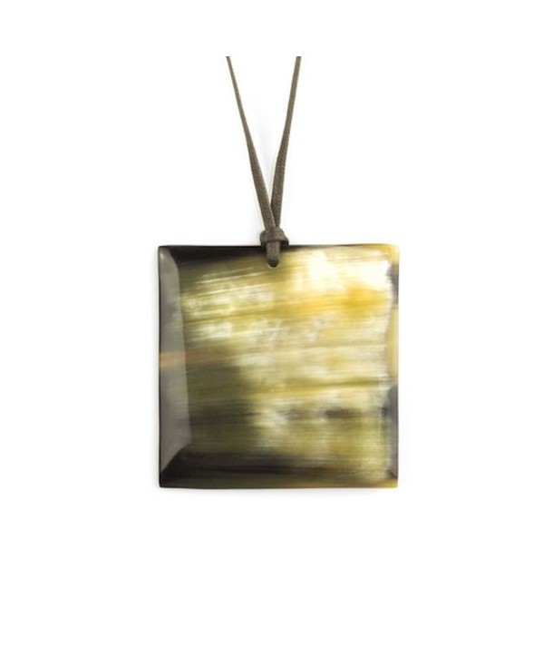 Square pendant in marbled black horn