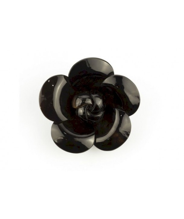 Camellia brooch in cow horn