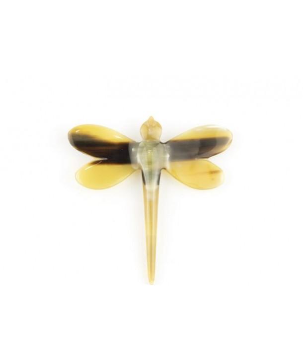 Broche libellule en corne blonde