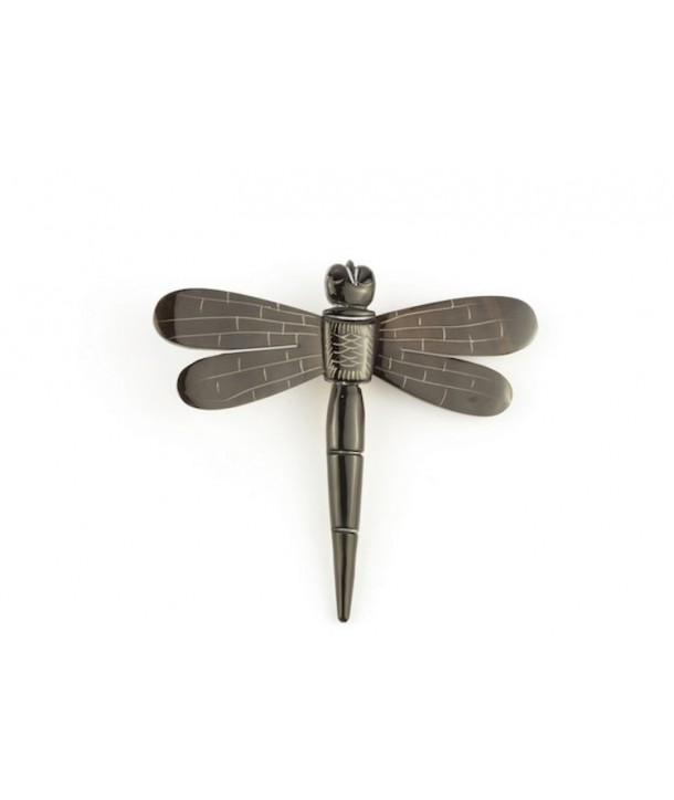 Short dragonfly brooch in plain black horn