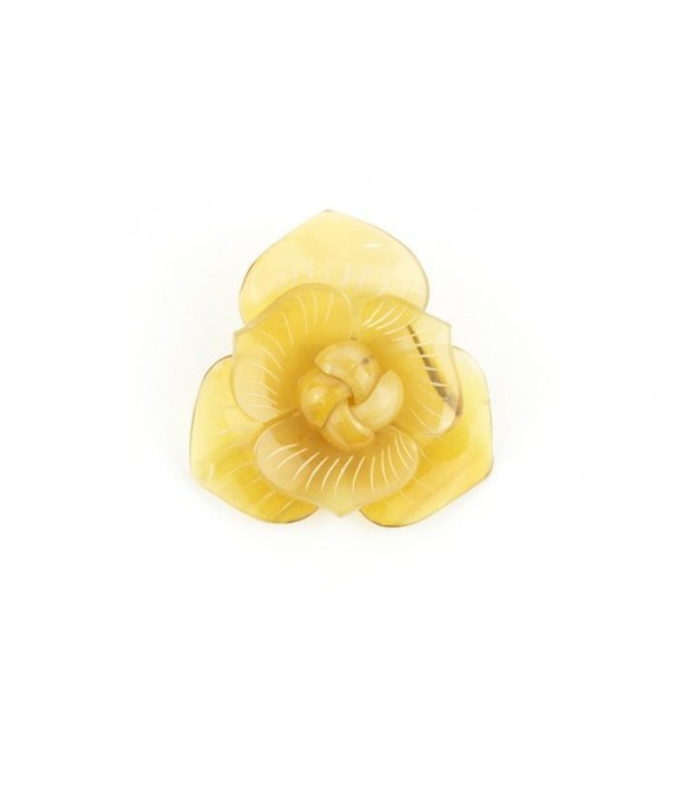 Flower brooch in blond horn