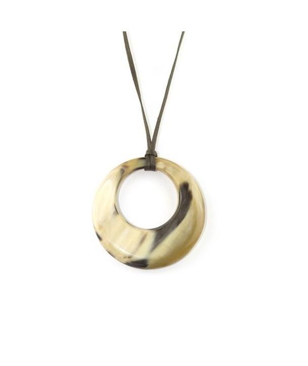 Pendentif petit anneau irrégulier en corne blonde