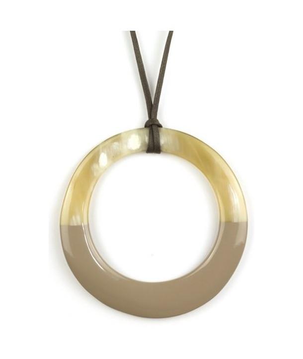 Pendentif grand anneau irrégulier laqué café crème