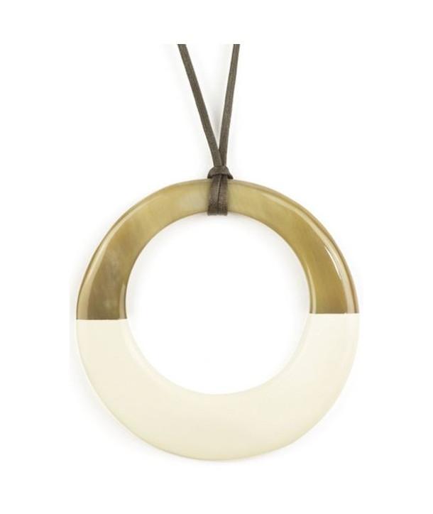 Pendentif grand anneau irrégulier laqué ivoire
