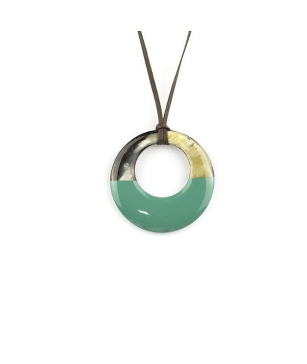 Pendentif petit anneau irrégulier laqué vert émeraude