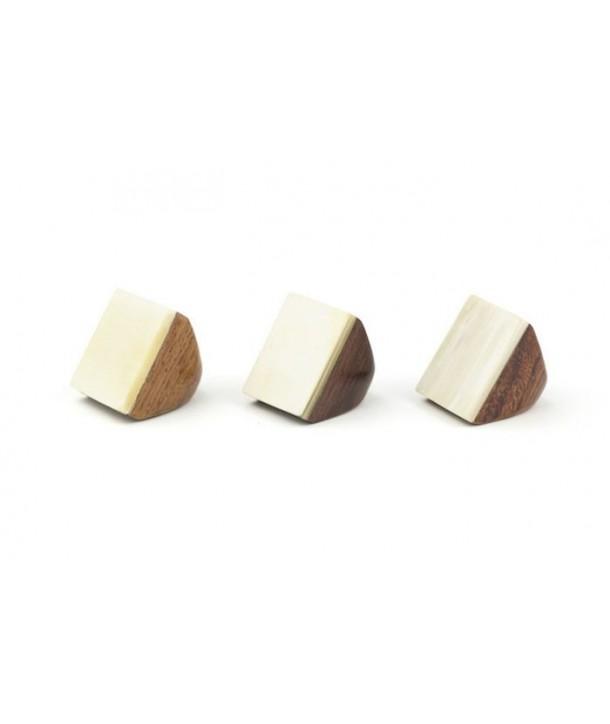 Bague bois carré en corne blonde