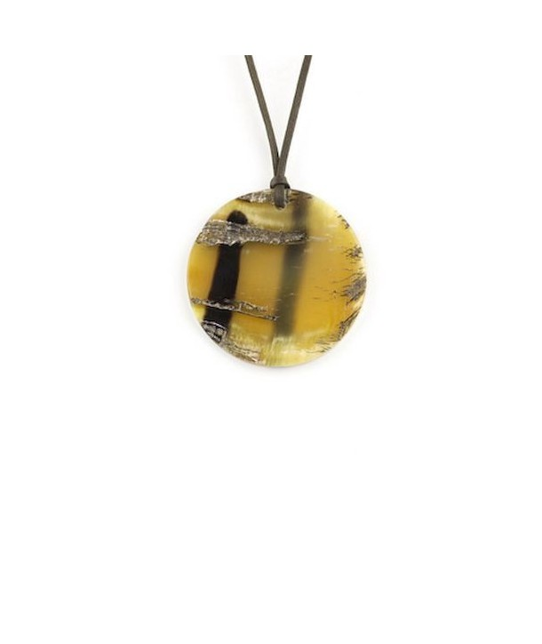 Disc pendant in raw blond horn