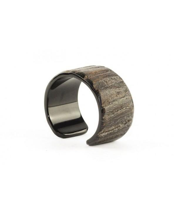 Open bracelet in raw black horn