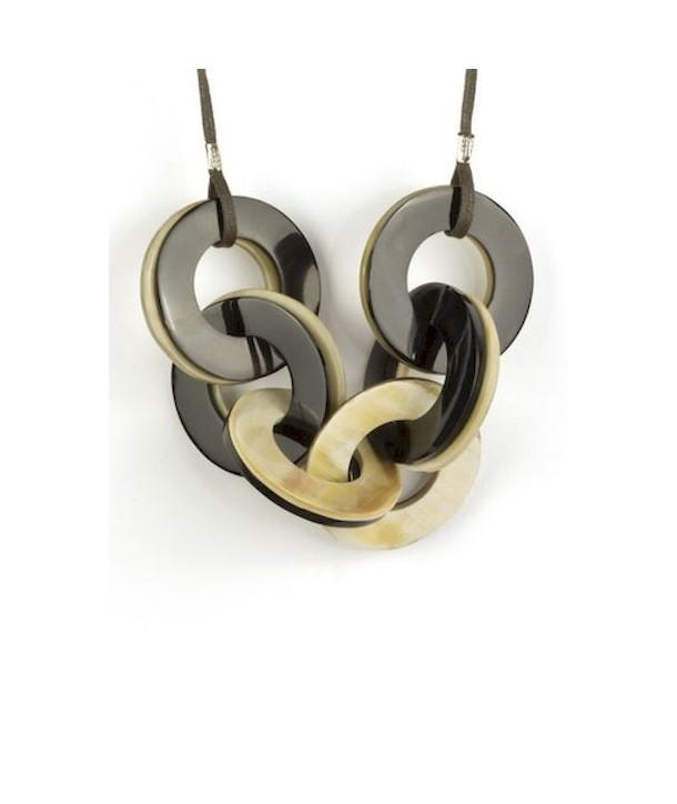Pendentif anneaux entrelacés en corne blonde et noire