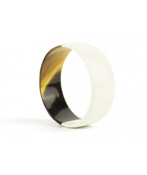 Ivory lacquered flat bracelet in horn