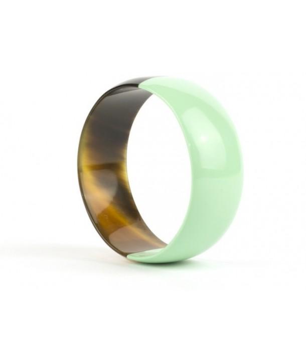 Bracelet plat en corne laqué vert menthe