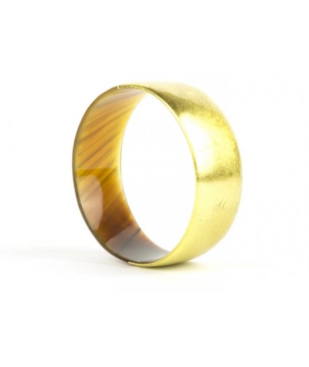 Golden lacquered flat bracelet in horn