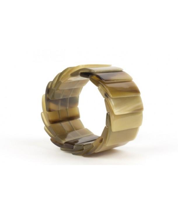 Scale bracelet in blond horn