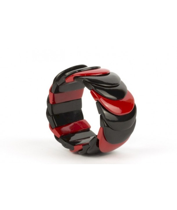 Red lacquered scale bracelet