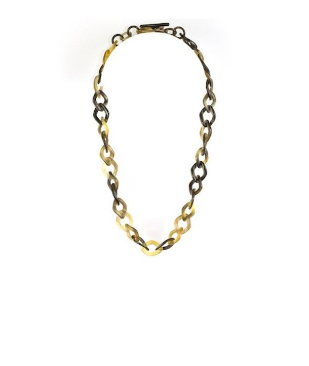 Fine scales necklace in hoof