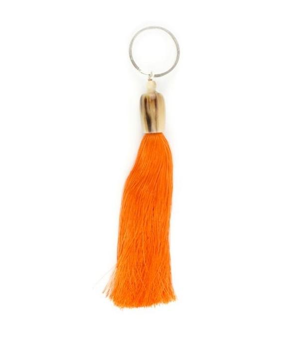 Porte clé pompon en sabot et fil orange