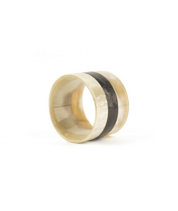 Bracelet large gainé cuir autruche noir - ligne milieu en corne blonde