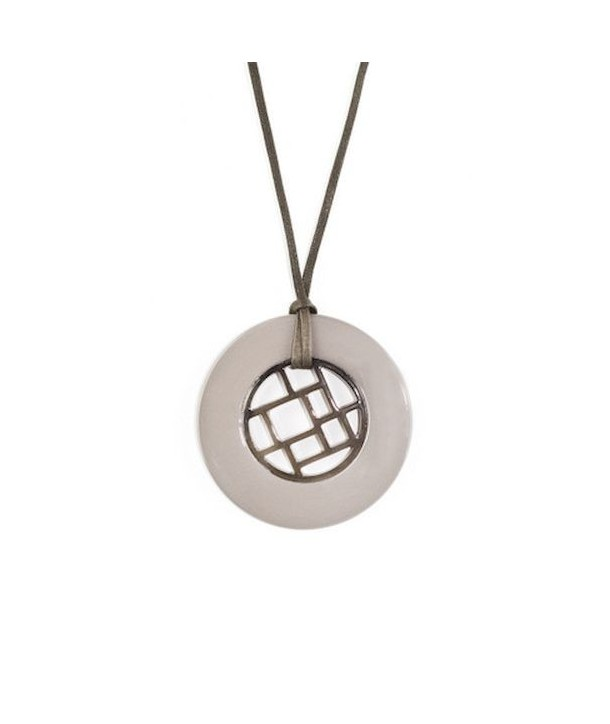 Checkered pendant circled with cream coffee lacquer