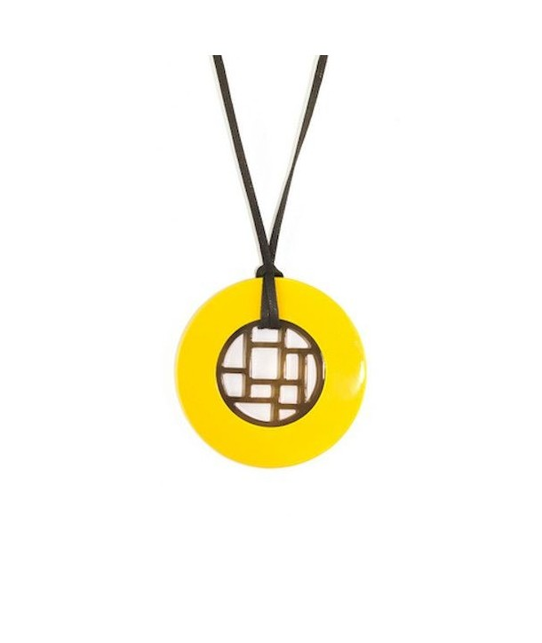 Checkered pendant circled with yellow lacquer