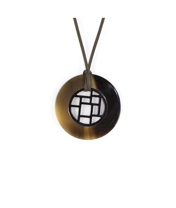 Checkered pendant circled with hoof
