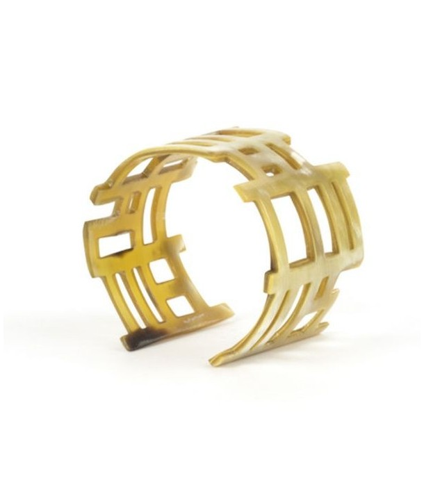 Chan song cuff in blond horn