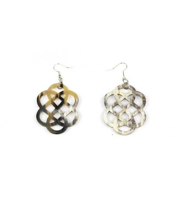 Flower shaped earrings in marbled black horn