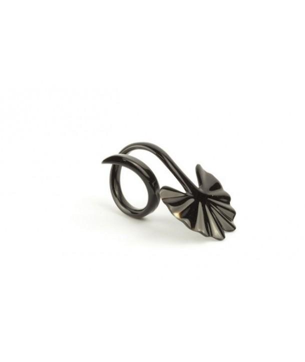 Set of 6 gingko napkin rings in plain black horn