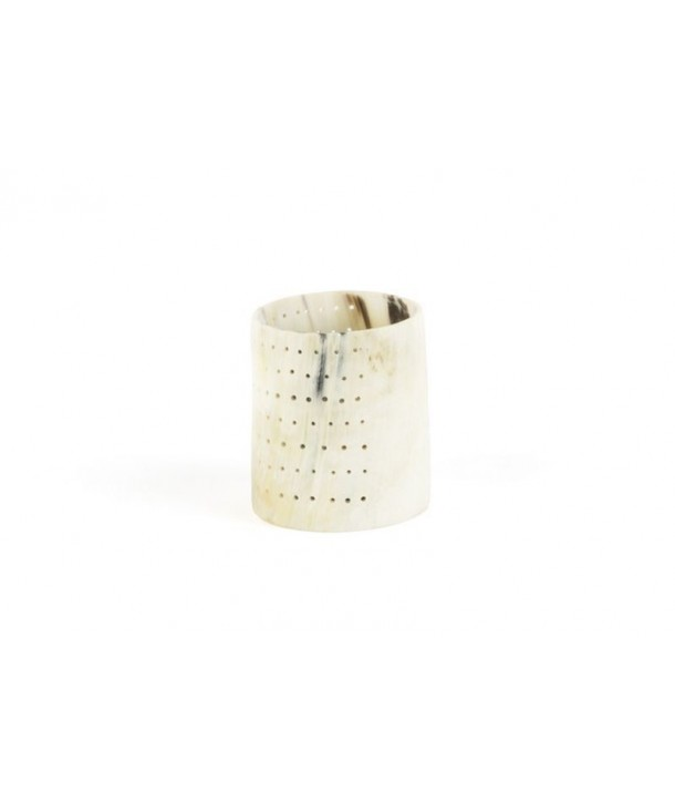 Medium size dotted candle holder in blond horn