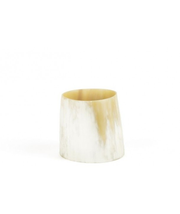 Large candle holder in blond horn