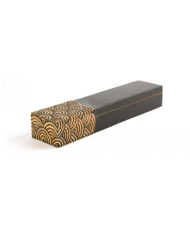 Boîte à baguettes vagues en pierre fond noir