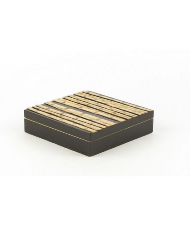 Grand boîte carrée plate forêt de bambou en pierre fond noir