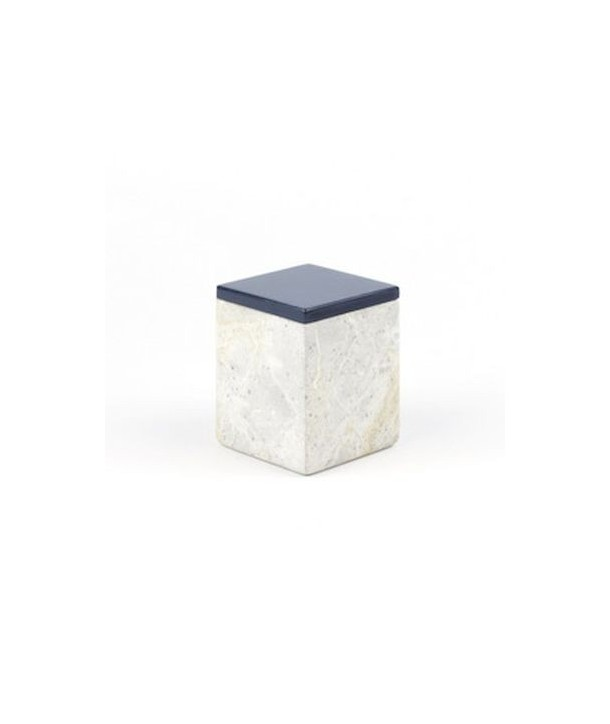 Small square box in stone with lacquered lid