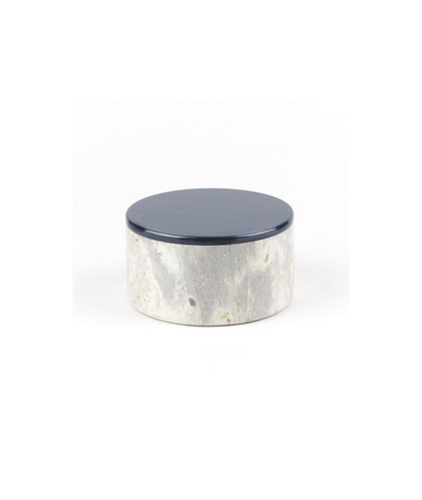 Medium wide round box in stone with lacquered lid