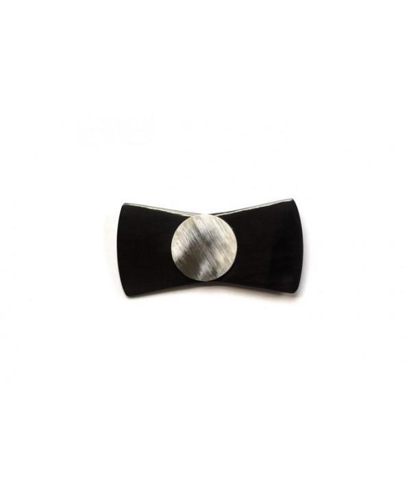 Broche noeud en corne noire avec une perle en corne blonde