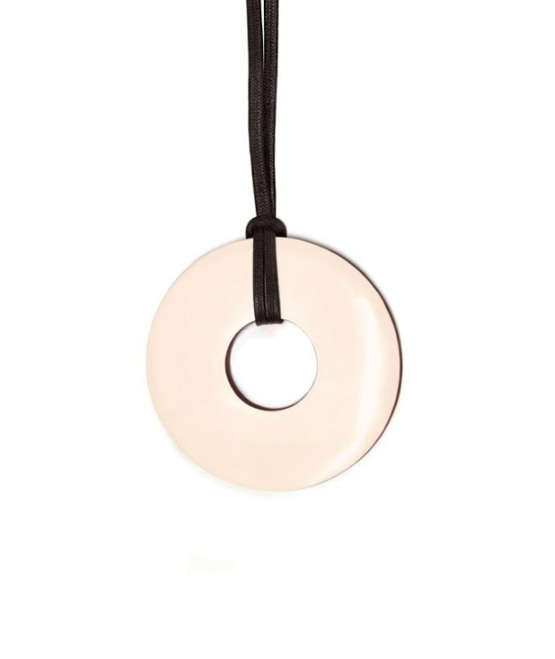 Thick ring pendant with pink and red lacquer